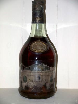 Cognac Salignac Napoléon Très vieille fine champagne Réserve de l'Aiglon présumé des années 70/80