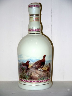 The famous grouse highland decanter doré à l'or 24 carats Matthew Gloag