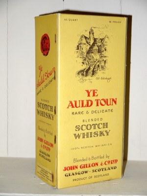 Grand Whisky  Ye Auld Town Scotch Whisky en étui Années 70